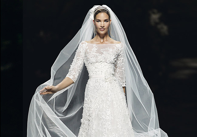 Hochzeitskleid weiß, Spitze