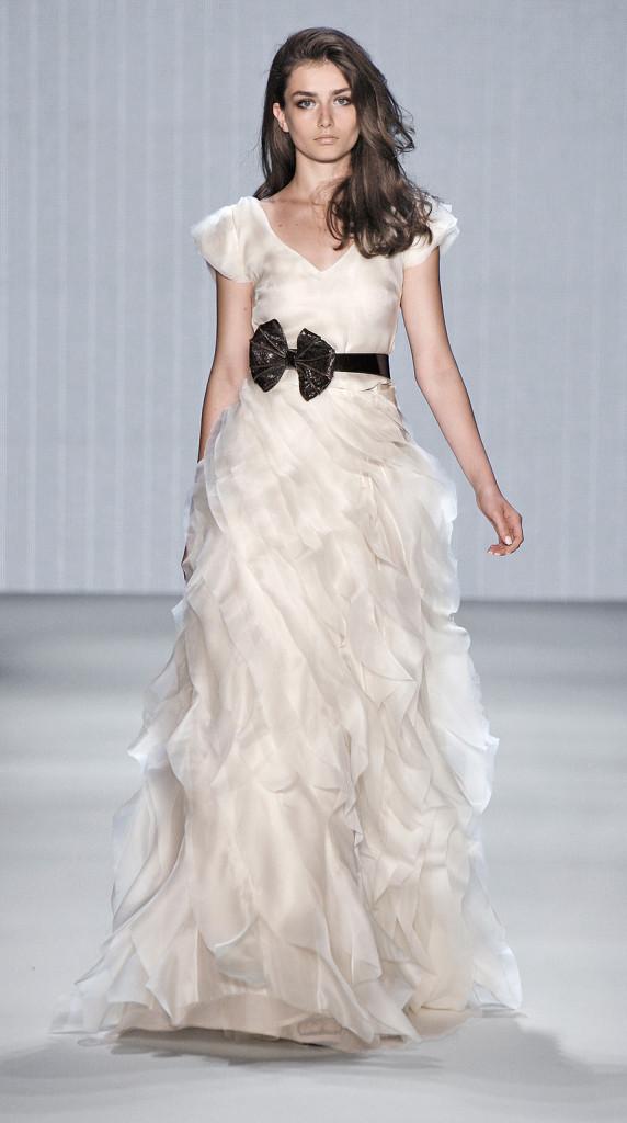 Brautkleider Kaviar Gauche - Moderne Hochzeitskleider ...