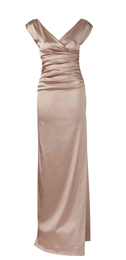 Nude-farbenes Abendkleid in glänzender Optik