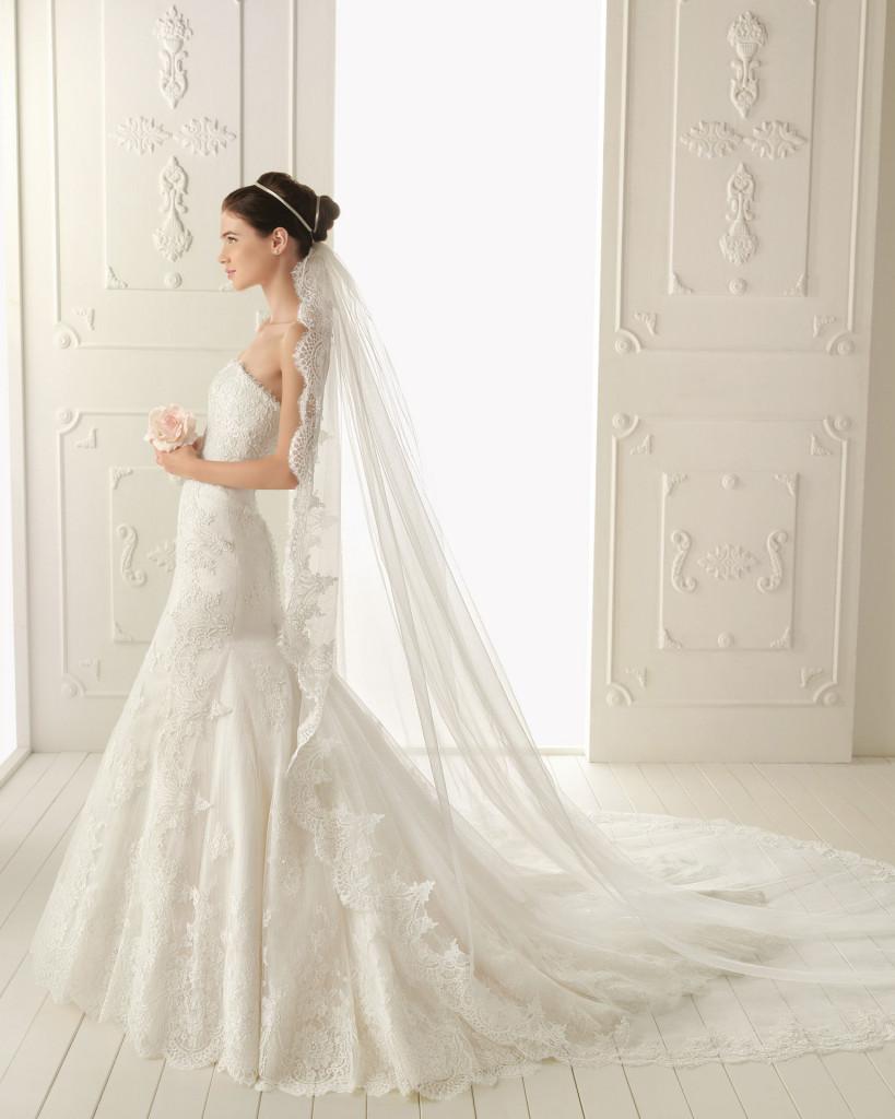 Hochzeitskleid mitSchleppe, AIRE Barcelona  2013