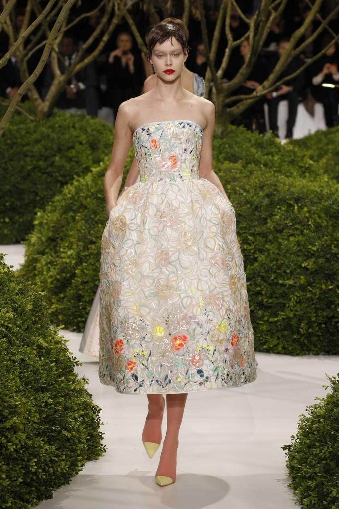 Besticktes Organza Bustierkleid, Abendkleid Dior