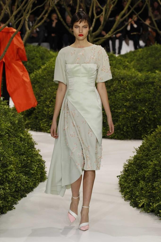 Besticktes blassgrünes Cocktailkleid aus Seide, Dior