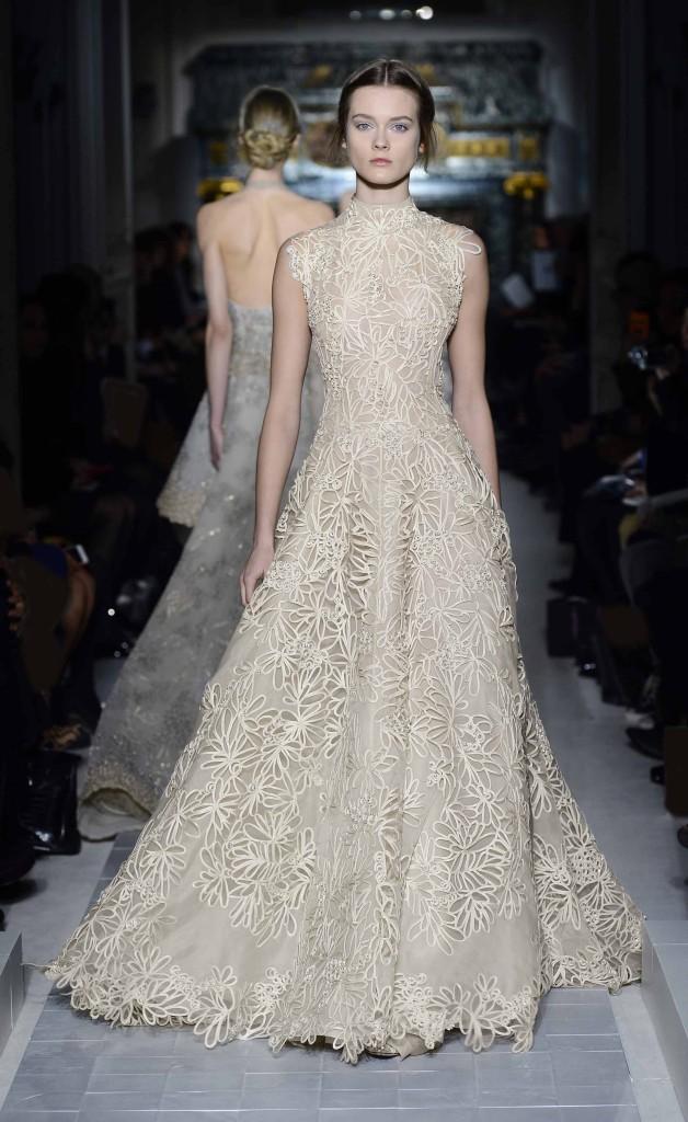 Brautkleid off-white, schlicht, Valentino