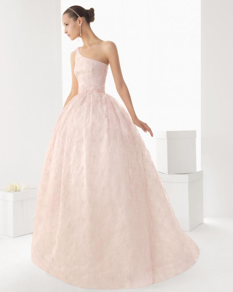 Asymmetisches Brautkleid, rosa. Rosa Clara