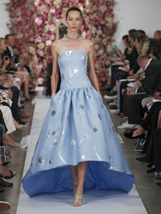 Hellblaues Abendkleid Oscar de la Renta Red Carpet Dresses 2015
