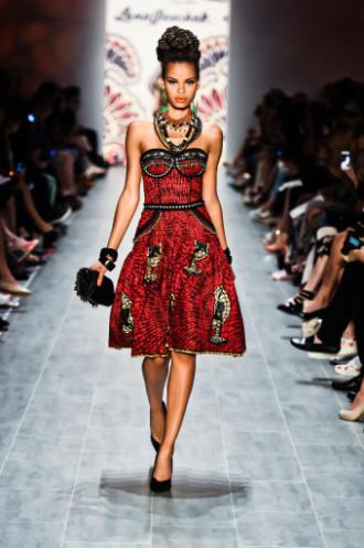 Kleid im Afrika Stil - Lena Hoschek Show - Mercedes-Benz Fashion Week Spring/Summer 2015