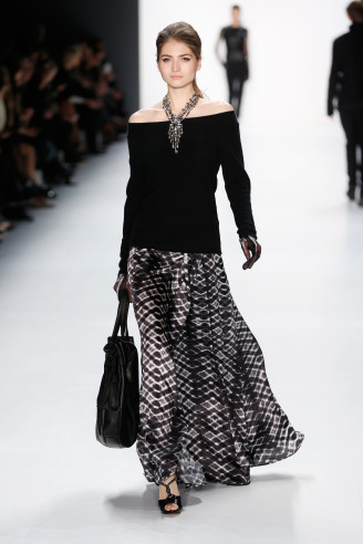 Guido Maria Kretschmer Mode HW 2015 / 2016 - Lässige Abendkleider mit opulentem Schmuck