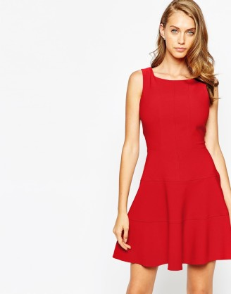 Rotes Kleid kurz, Cocktailkleid