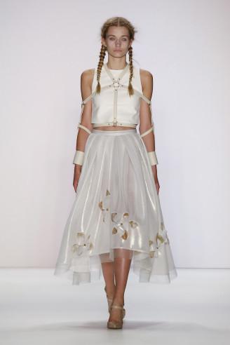 Avantgarde Abendkleider 2016 – Irene Luft