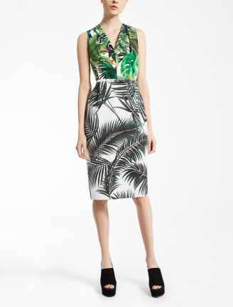 fotocredit Max Mara - grünes Kleid mit Blätterprints