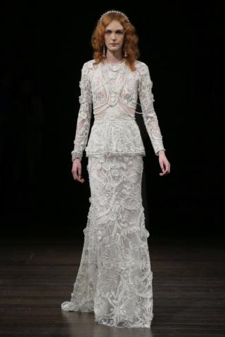 Langarm Brautkleid aus Spitze, langarm